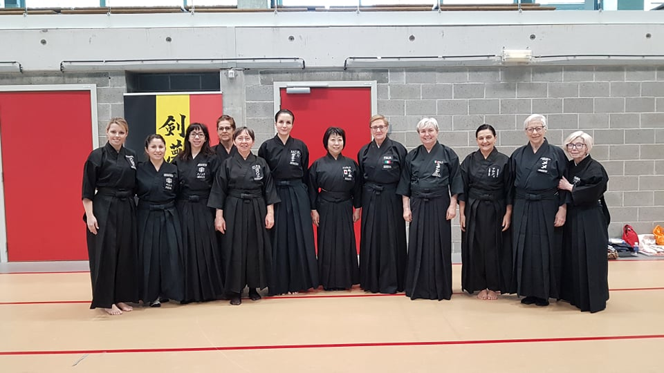 Women-in-iaido-kiryoku